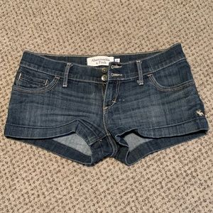 Abercrombie medium wash shorts